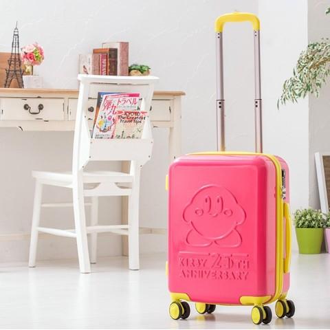 カービィといっしょに旅に出よう!『星のカービィ』25周年記念スーツケースが、ヴィレヴァンオンラインで取り扱い開始!