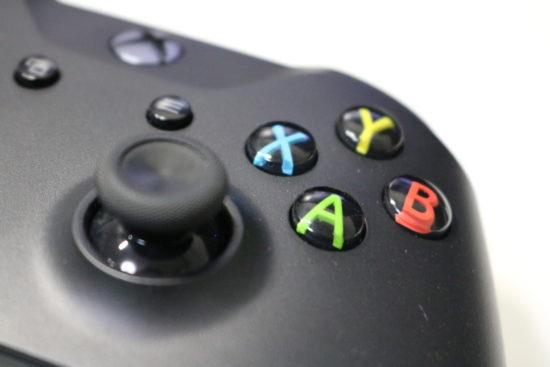 Steamで使いやすいゲームコントローラーは?Windowsパソコンなら「マイクロソフト ゲームコントローラー(4N6-00003)」がおすすめ!