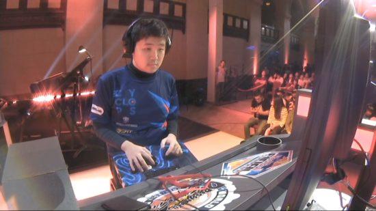 格闘ゲーム「ドラゴンボールファイターズ」世界大会『Red Bull Final Summoning』で、日本のかずのこ選手が優勝!