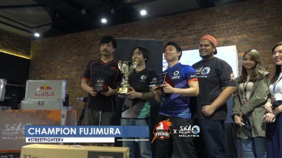 格闘ゲーム大会「FV x SEA Major 2019」ストリートファイターV部門で、藤村選手が優勝!