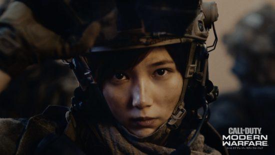 「コール オブ デューティ モダン・ウォーフェア」のCMに本田翼さんが登場、兵士姿で戦場を駆け巡る