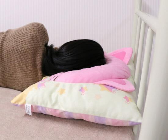 クレーンゲームアプリ「トレバ」のオリジナル景品 「トレタのふわふわBIG枕」が登場