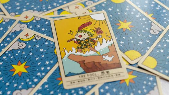「君のゆるいタロット占いが、私を癒してくれるから #ゆる占い」が先行予約販売開始!タロット占い師になって悩みをゆるく占う大喜利カードゲーム